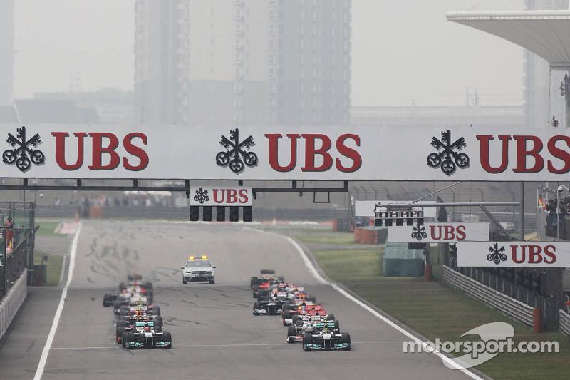 Nico Rosberg, Mercedes AMG F1 lidera al inicio de la carrera