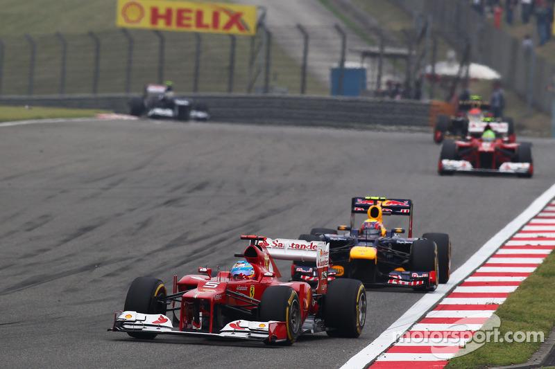Fernando Alonso, Ferrari voor Mark Webber, Red Bull Racing