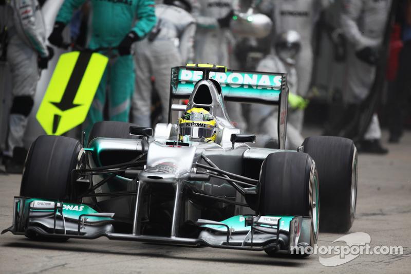 Nico Rosberg, Mercedes AMG F1 parada en boxes