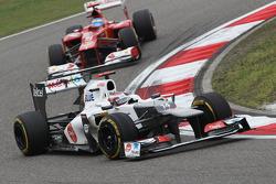 Kamui Kobayashi, Sauber y Fernando Alonso, Ferrari