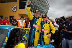 Victory lane: winnaars GS en Matt Plumb en Nick longhi