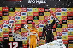 Podium: race winner Will Power, Verizon Team Penske Chevrolet, second place Ryan Hunter-Reay, Andret
