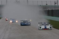 #8 Starworks Motorsport Ford Riley: Ryan Dalziel, Enzo Potolicchio leads the DP field on lap one