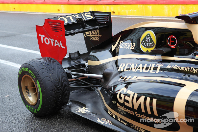 Jérôme d'Ambrosio, Lotus Renault F1 Team rear suspension and rear wing