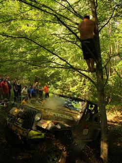 Het publiek juichte elke keer een auto de boom raakte