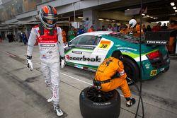 Pitstop #20 Hitotsuyama Racing Audi R8 LMS: Frank Yu, Hideki Noda, Kenji Kobayashi