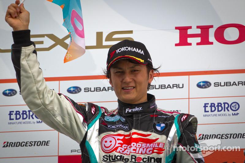 GT300 podium: winnaar Nobuteru Taniguchi