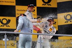 Gary Paffett, Team HWA AMG Mercedes, AMG Mercedes C-Coupe; Augusto Farfus Jr., BMW Team RBM, BMW M3