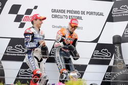 Podio: ganador Casey Stoner, del equipo Repsol Honda y segundo lugar Jorge Lorenzo Yamaha Factory Te