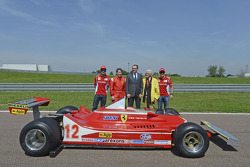Fernando Alonso, Jacques Villeneuve, Stefano Domenicali and Felipe Massa with the 312 T4