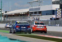 Alberto Cerqui, BMW 320 TC, ROAL Motorsport en Pasquale di Sabatino, Chevrolet Cruze 1.6T, bamboo-en