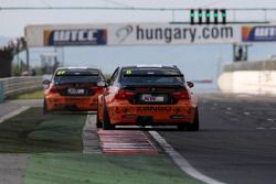Gabor Weber, BMW 320 TC, Zengo Motorsport and Norbert Michelisz, BMW 320 TC
