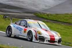 #15 Team Art Taste Porsche 911 GT3 R: Tim Bergmeister, Takeshi Tsuchiya, Jörg Bergmeister