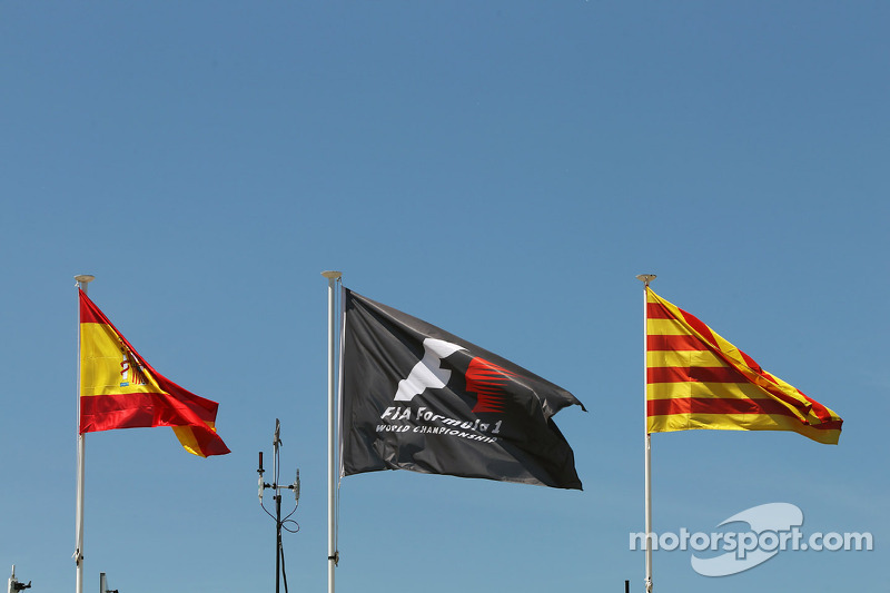 Spanish and F1 flags
