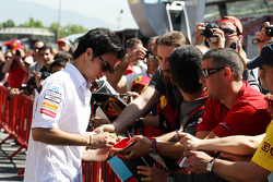 Sergio Perez, Sauber F1 Team signs autographs for the fans