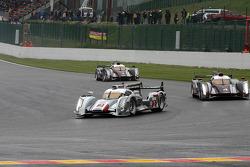 Pace lap, #2 Audi Sport Team Joest Audi R18 e-tron quattro: Allan McNish, Tom Kristensen, Rinaldo Capello