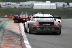 #55 JWA-Avila Porsche 997 GT3 RSR: Joel Camathias, Paul Daniels, Markus Palttala