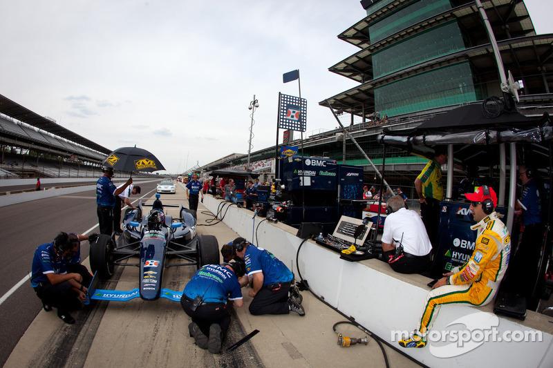 Rubens Barrichello, KV Racing Technology Chevrolet and Tony Kanaan, KV Racing Technology Chevrolet