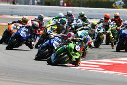 Kenan Sofuoglu, Kawasaki Puccetti Racing leads the start