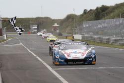 Finish voor #77 Callaway Competition, Corvette C7 GT3-R: Jules Gounon, Renger van der Zande