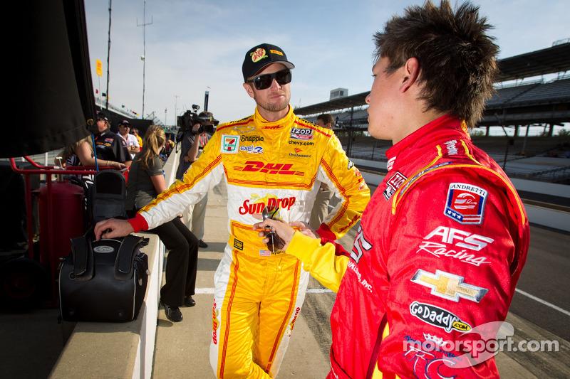 Ryan Hunter-Reay, Andretti Autosport Chevrolet en Sebastian Saavedra, AFS Racing/Andretti Autosport