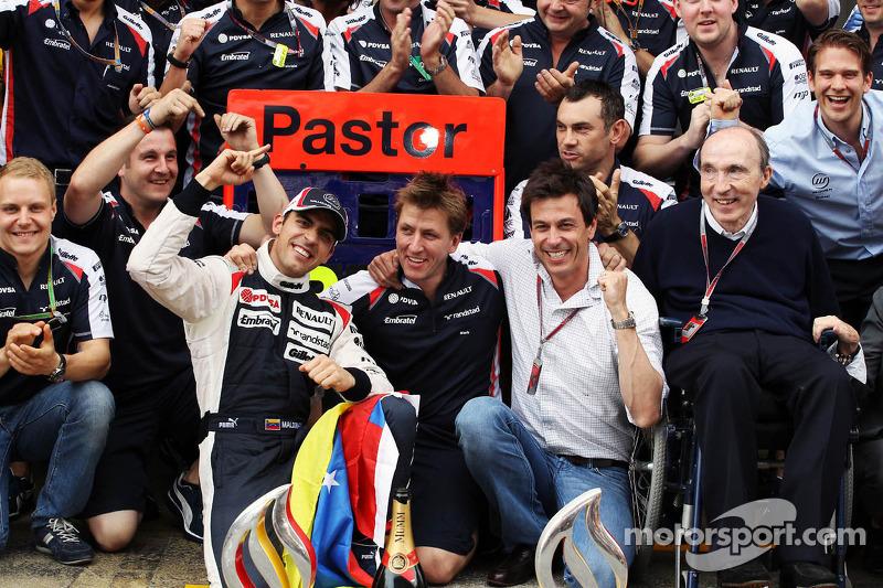 Williams F1 Team kutlama yapıyor Pastor Maldonado'in victory