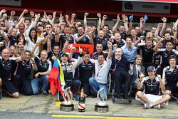 Williams F1 Team kutlama yapıyor Pastor Maldonado'in victory