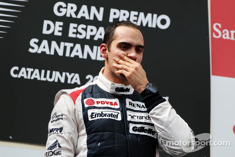 Ganador de la carrera Pastor Maldonado, Williams F1 Team celebra en el podio