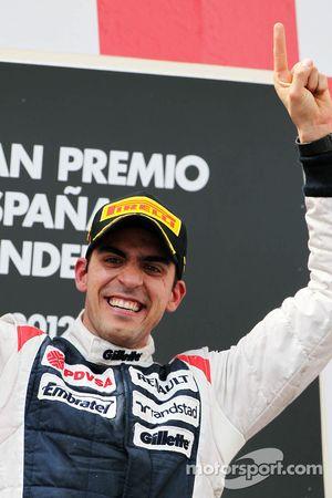 Yarış galibi Pastor Maldonado, Williams F1 Team kutlama yapıyor, Podyum