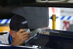 01 Chip Genassi Racing technische controle