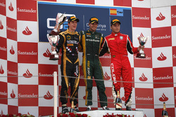 Podium: race winner Giedo van der Garde, second place James Calado, third place Stefano Coletti