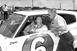 Driver Sam McQuagg with Cotton Owens in 1967