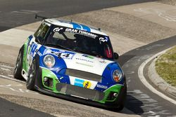 #144 Besaplast Racing Team MINI Cooper S: Franjo Kovac, Fredrik Lestsrup, Steffi Halm, Jürgen Schmar