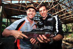 Craig Lowndes en Rick Kelly gaan vissen