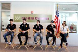 Andretti Autosport, Sebastian Saavedra, Ryan Hunter-Reay, Marco Andretti, James Hinchcliffe y Ana Be