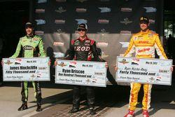 Pole winner Ryan Briscoe, Team Penske Chevrolet, second fastest James Hinchcliffe, Andretti Autospor