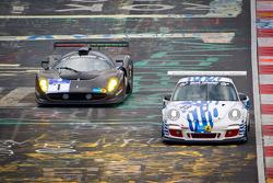 #48 Porsche 911 GT3 Cup: Bill Cameron, Willie Moore, Olivier Muytjens, #1 Global Partner Enterprise SA P 4/5: Fabrizio Giovanardi, Nicola Larini, Manuel Lauck