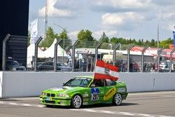 #207 BMW 325i: Gerald Fischer, Michael Hollerweger, Stephan Lipp, Martin Jakibowics