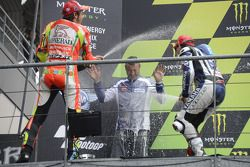 Podium : le vainqueur Jorge Lorenzo, Yamaha Factory Racing, le deuxième Valentino Rossi, Ducati Marlboro