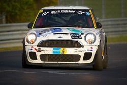 #146 s.i.g. Motorsport MINI Cooper S JCW: Hitoshi Gotoh, Steffen Schmid, Dirk Lauth