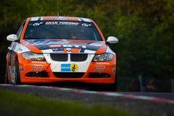 #214 BMW 325i: Bastian Hüttinger, Peter ODonnell, Matthew Hansen, Angus Chapel