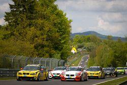Formatieronde: #234 Black Falcon Team TMD Friction BMW M3: Steve Jans, Tim Scheerbarth, Carsten Knec