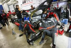 #4 Speedhunters Team WRT Audi R8 LMS Ultra: Oliver Jarvis, Edward Sandström, Andrea Piccini, Allan Simonsen in the garage