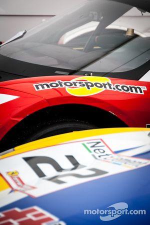 #22 und das Motorsport.com Logo