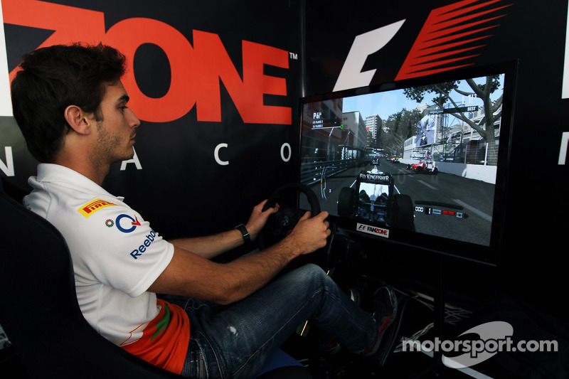 Jules Bianchi, Sahara Force India F1 Team derde rijder in de Fanzone