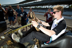 Vintage cars on display on pitlane: Josef Newgarden, Sarah Fisher Hartman Racing Honda
