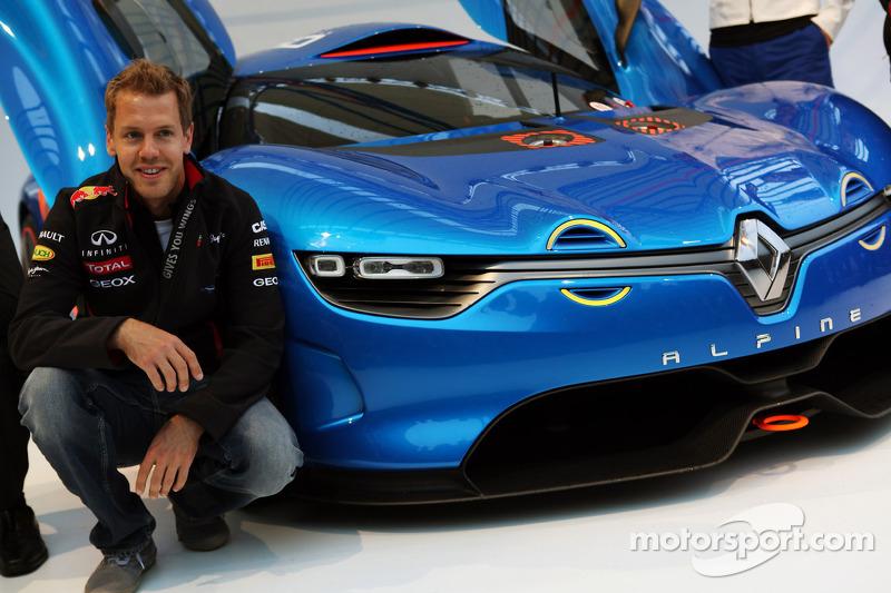 Sebastian Vettel, Red Bull Racing bij voorstelling Renault Alpine A110-50 Concept aan het Red Bull Energy Station