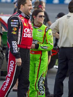 Tony Stewart, Stewart-Haas Racing Chevrolet, Danica Patrick, Stewart-Haas Racing Chevrolet