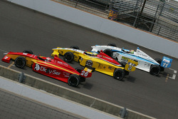Carlos Munoz, Andretti Autosport, Gustavo Yacaman, Team Moore Racing, ed Esteban Guerrieri