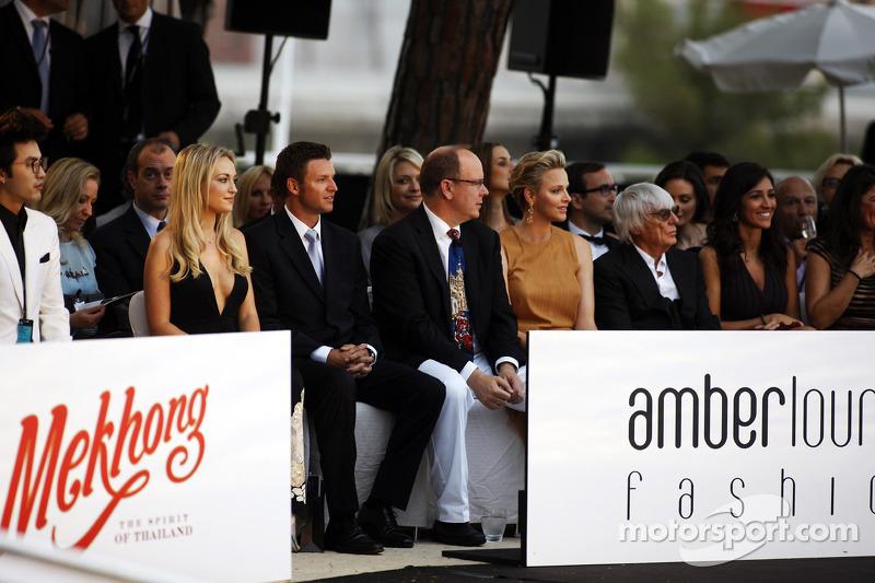 HSH Prins Albert van Monaco, CEO Formula One Group, op de Amber Lounge Fashion Show
